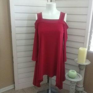 Clara Su Woo red cold shoulder tunic top sz s
